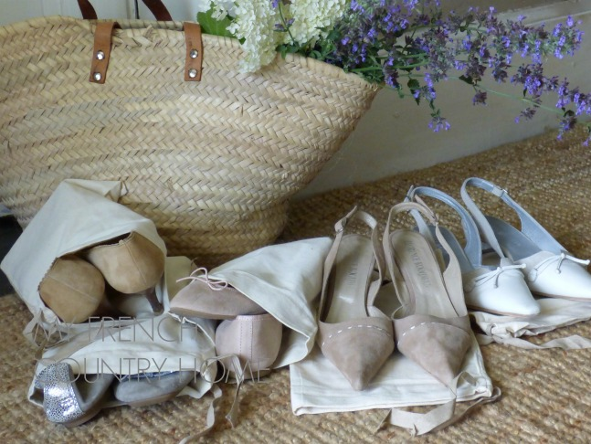 shoes in shoe bags for travelling
