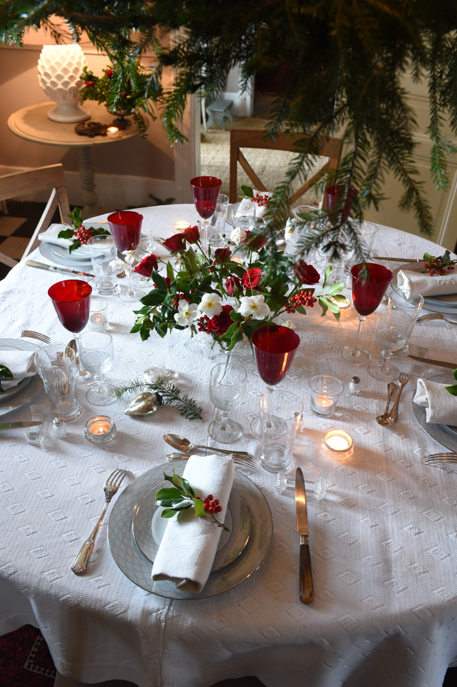 Red glasses and red-accented table settings- red christmas decoration ideas- MY FRENCH COUNTRY HOME