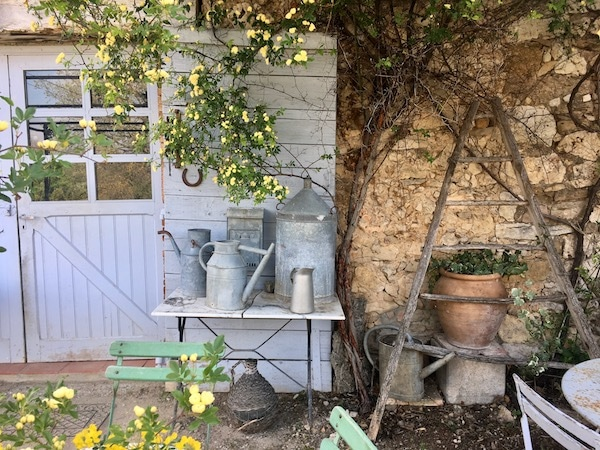 quiet living in provence