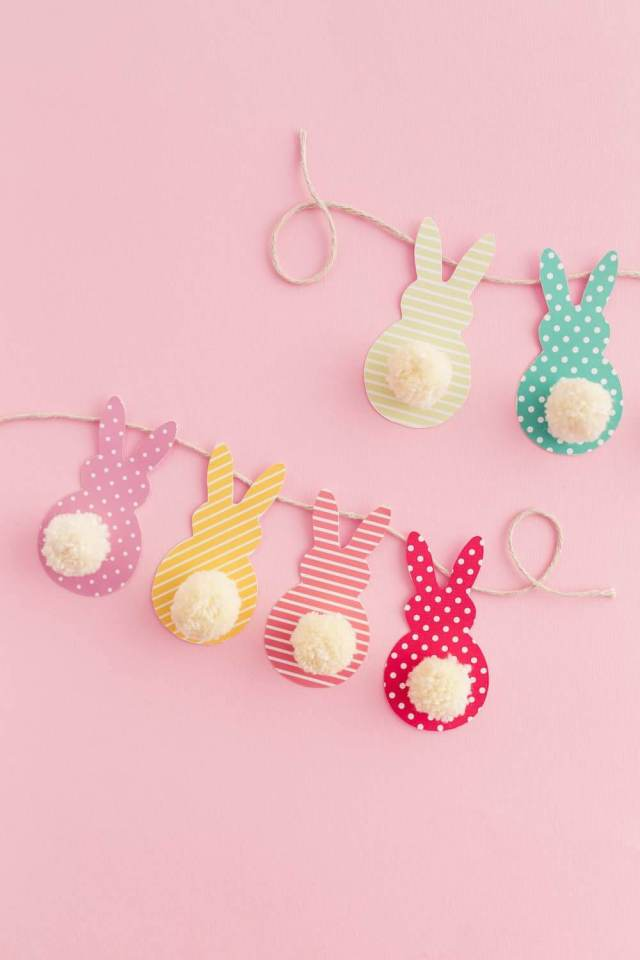 Easy Easter Decorations For The Home: Are you looking for DIY Easter decorations ideas? These homemade Easter decorations include Easter decor ideas with eggs, Easter centrepieces, Easter decorations table and so much more! Plus, if you're after Easter crafts for adults, Easter crafts kids or Easter crafts decorations, these ideas are brilliant. #easterdecorations #eastercrafts #easterdecor #diy #masonjars #homemade #easterwreaths