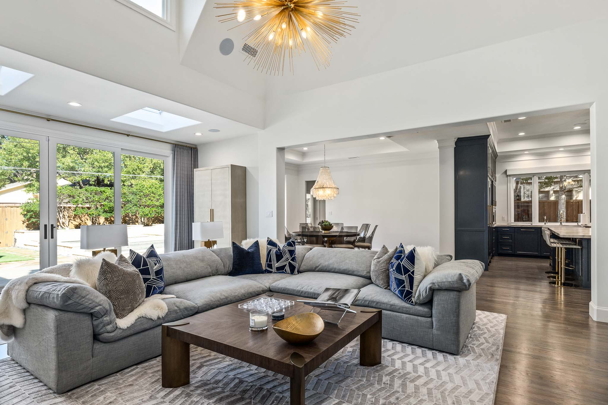 Modern upscale living room in Dallas