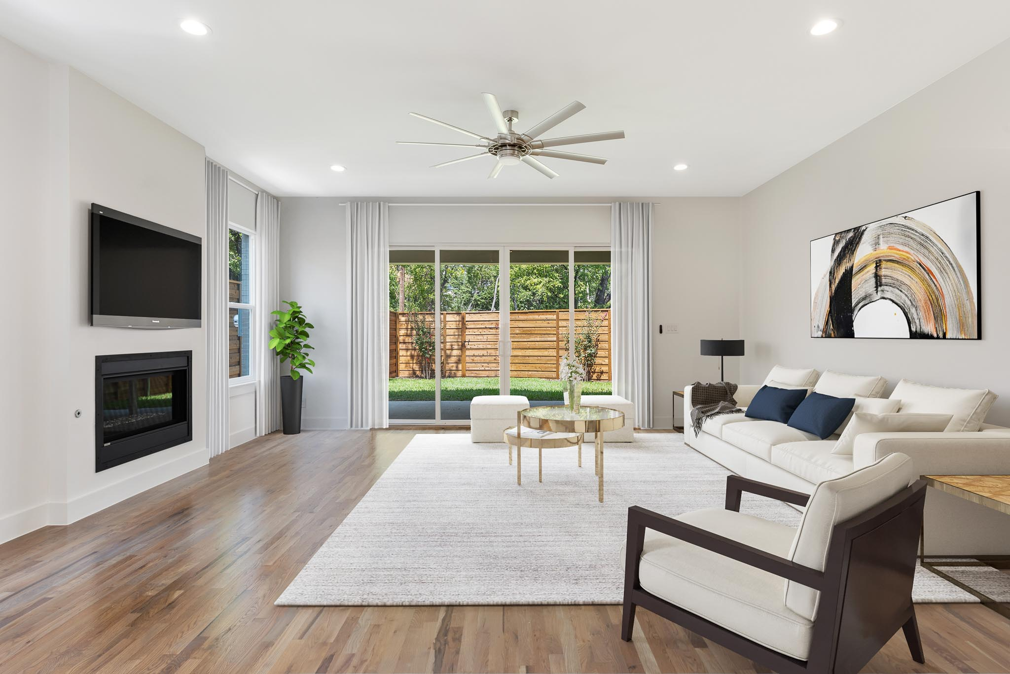 New and modern Flower Mound home virtually staged