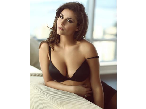 A Woman You Should Meet Elysia Rotaru  Sharp Magazine