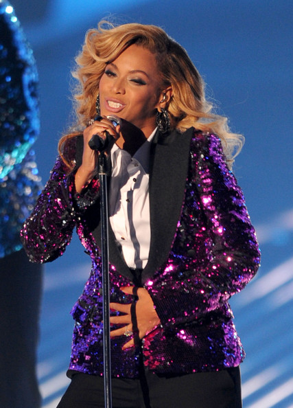 Beyonce purple jackey vma 2011