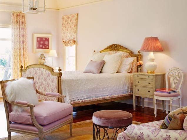 Best 44 Beautiful Bedroom Decorating Ideas This Month