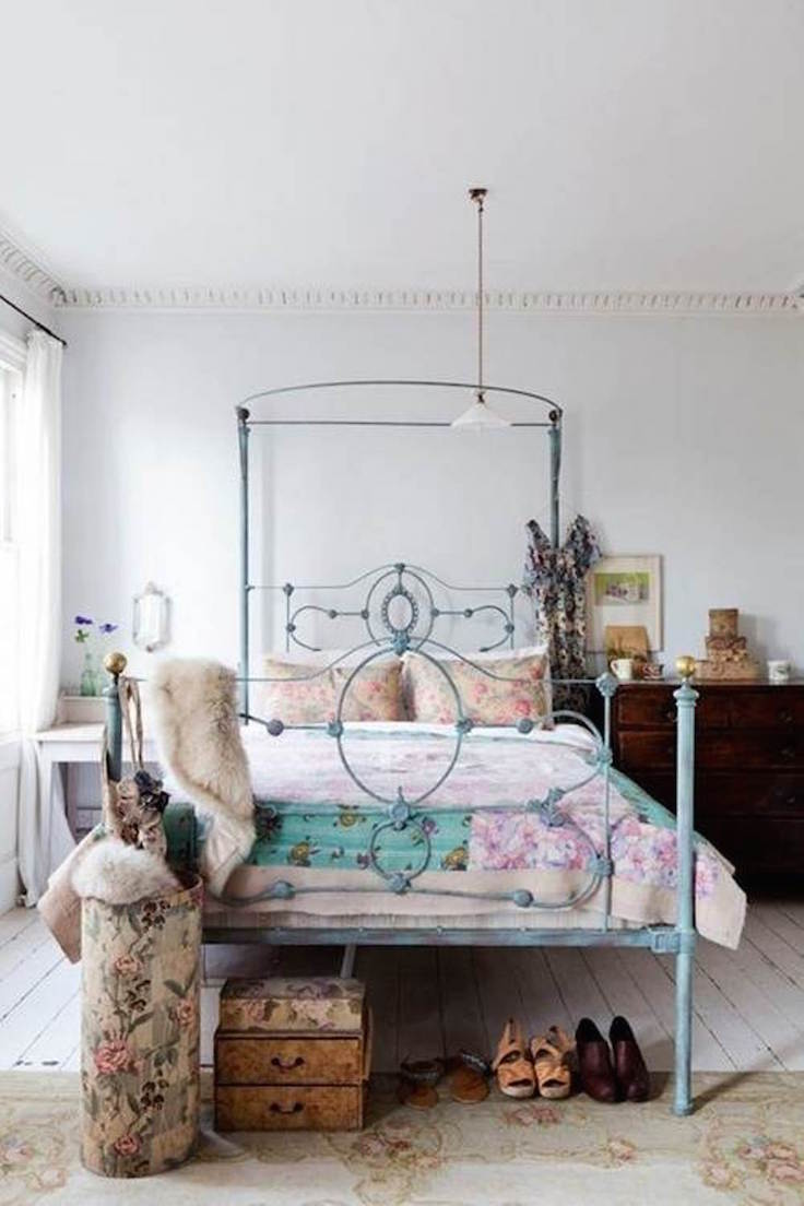 Best Eclectic Bedroom Designs That Will Give You Creative Ideas This Month