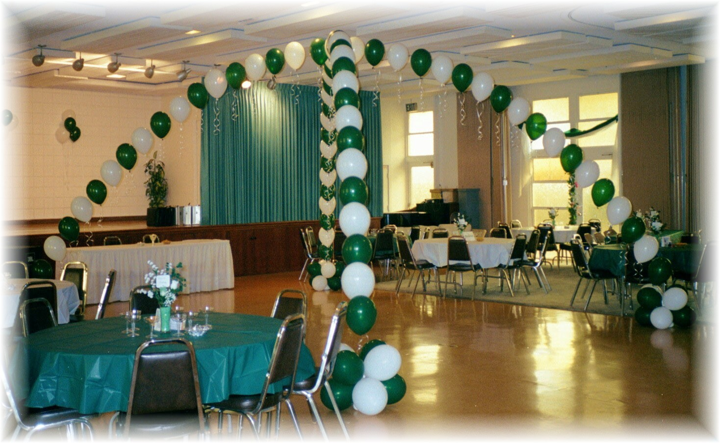 Best How To Decorate With Balloons School Reunion Decorations This Month