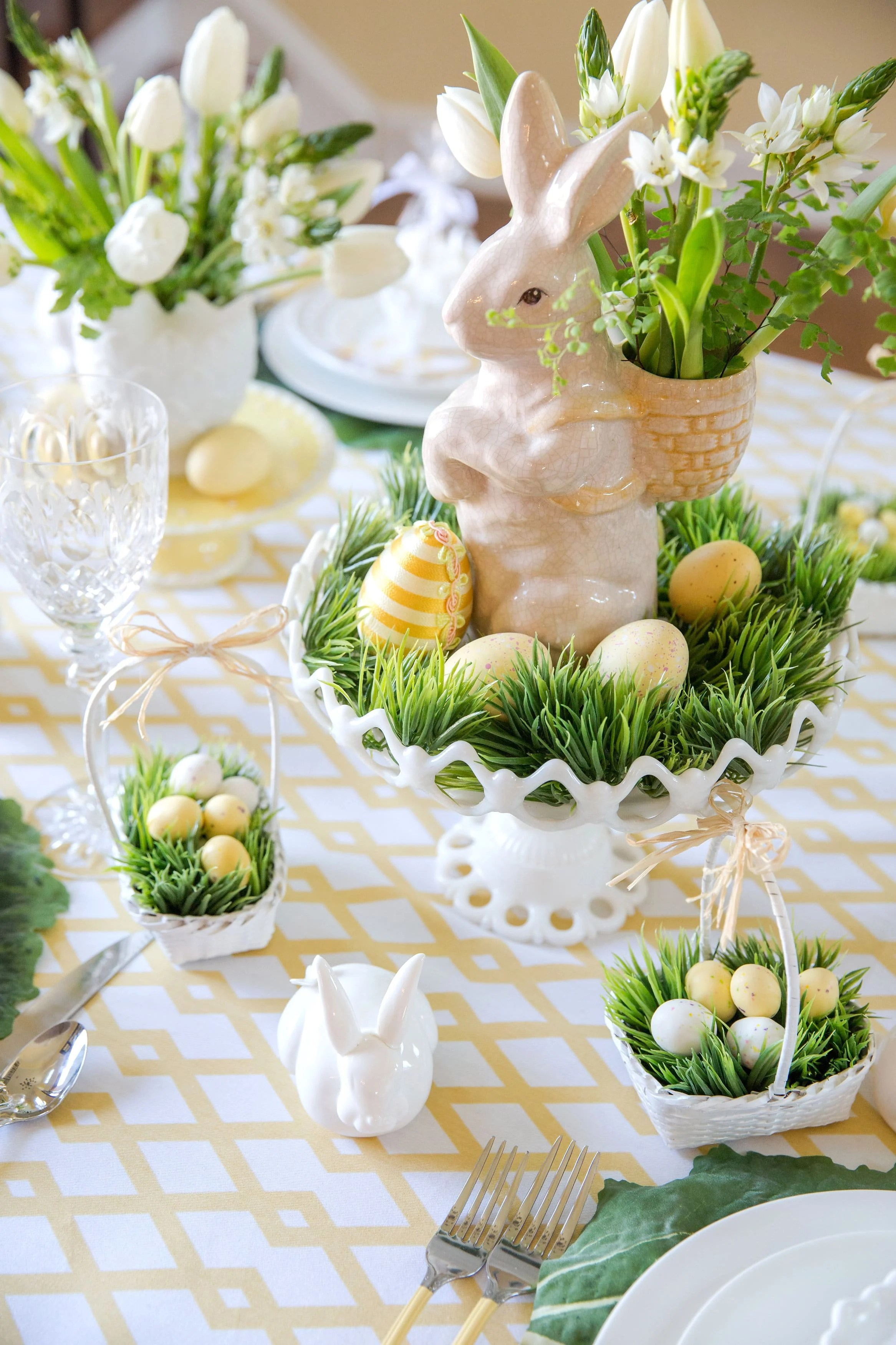 Best Easter Table Decorations Place Setting Ideas Pizzazzerie This Month