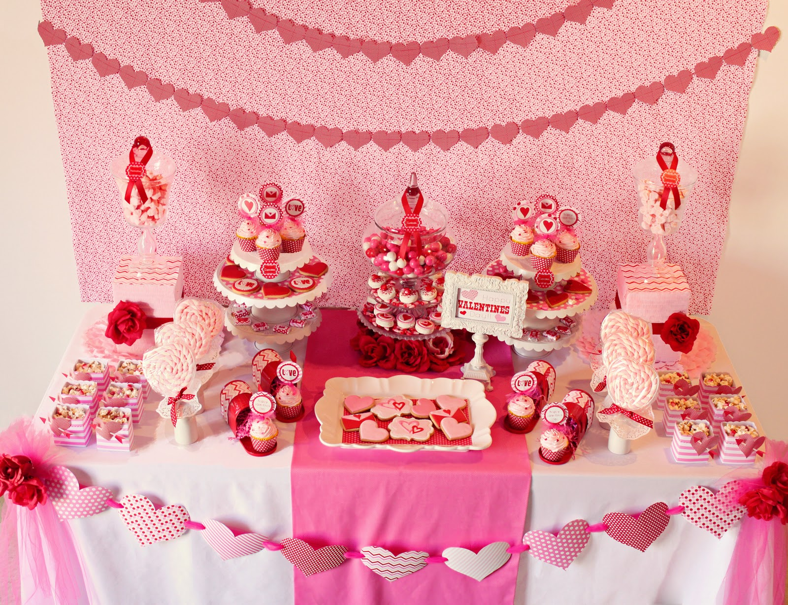 Best Amanda S Parties To Go Valentines Party Table Ideas This Month