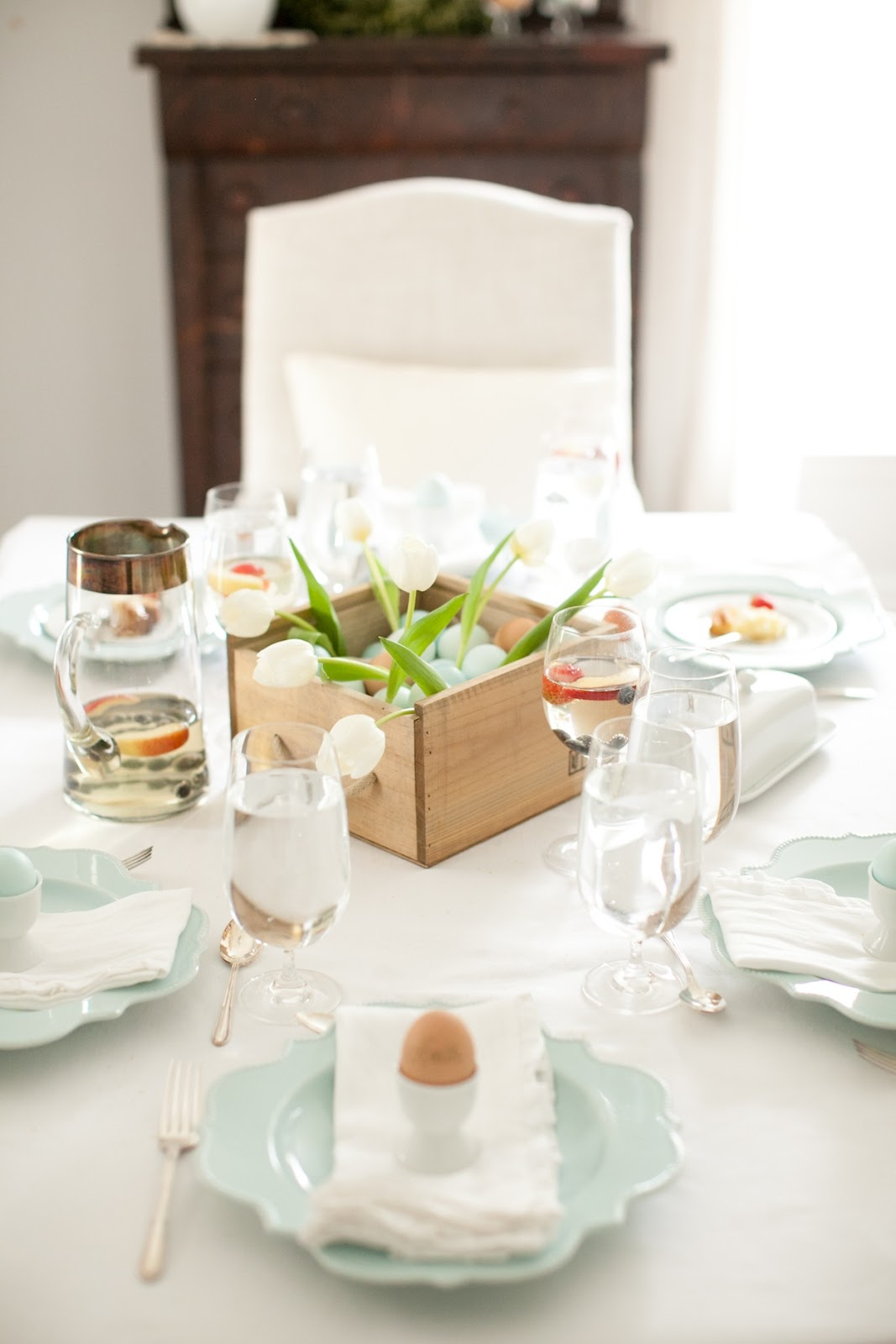 Best Easter Brunch Table Setting This Month