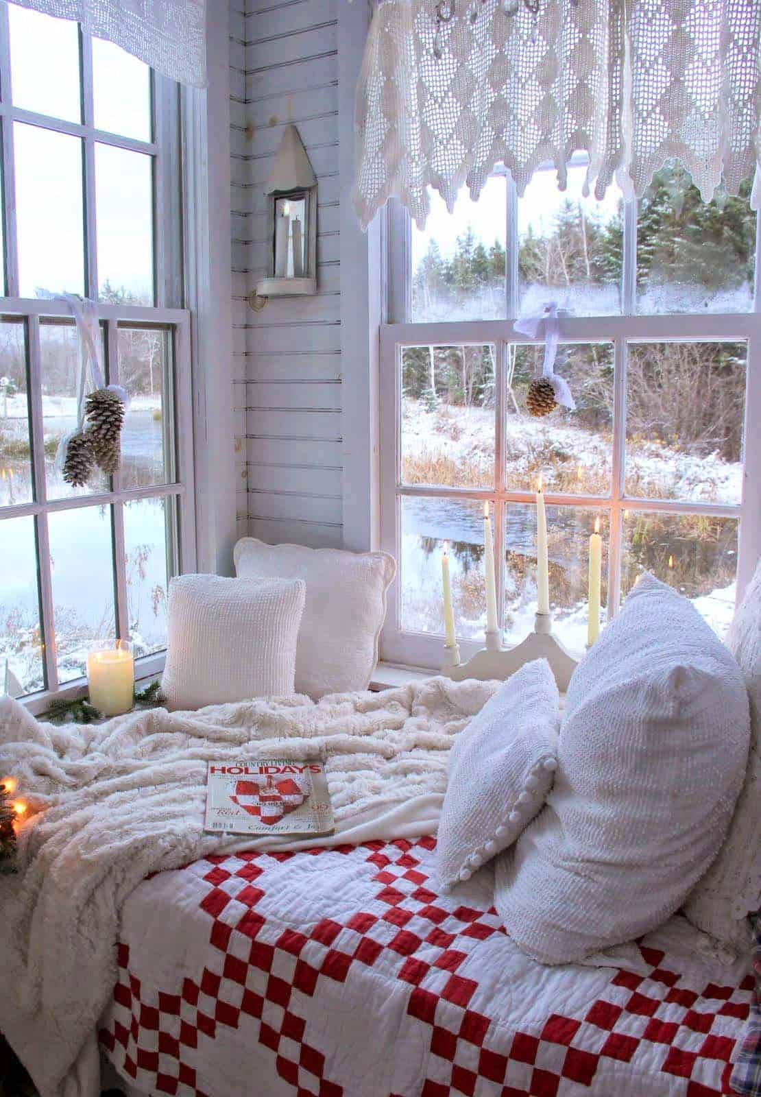 Best 35 Ways To Create A Christmas Wonderland In Your Bedroom This Month