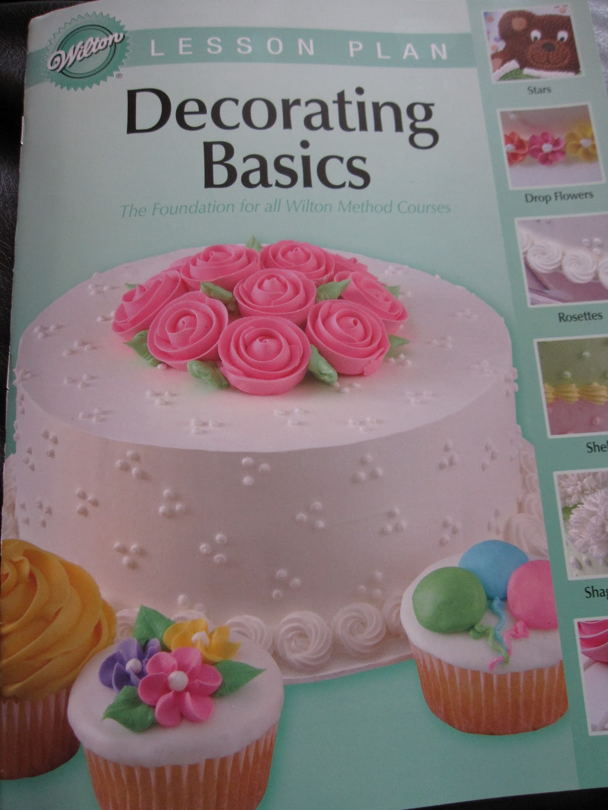 Best Michael S Basic Cake Decorating Class Day 1 She Bakes Here This Month