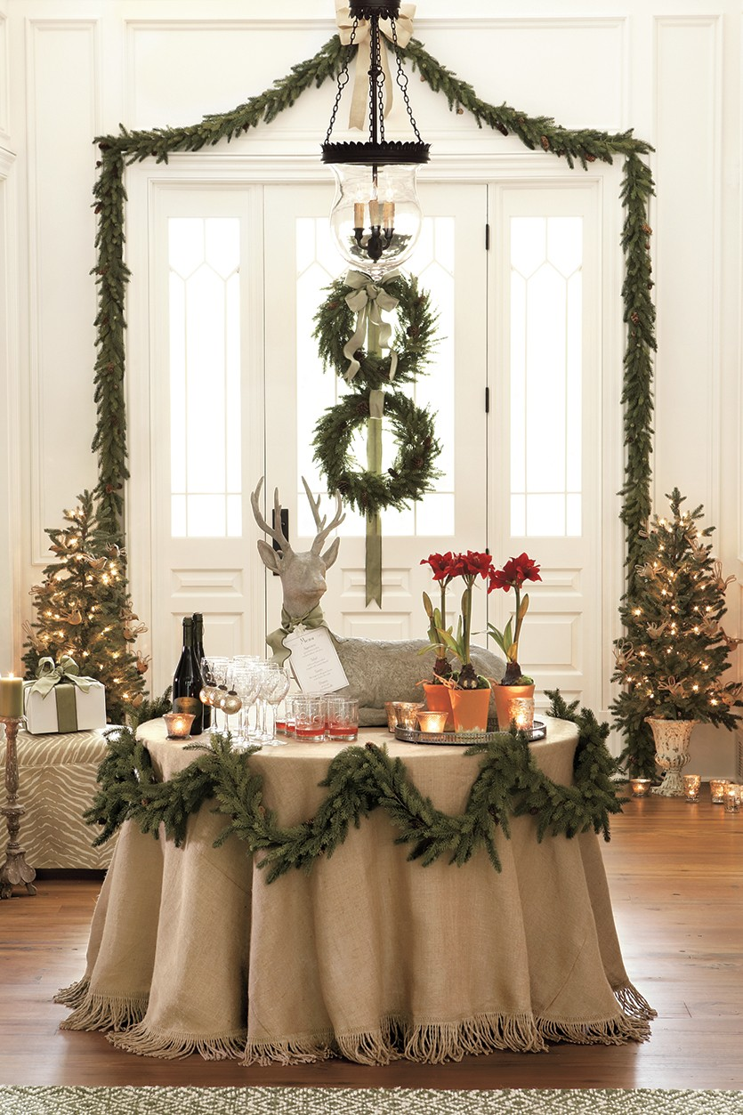 Best Creative Holiday Garland Ideas This Month