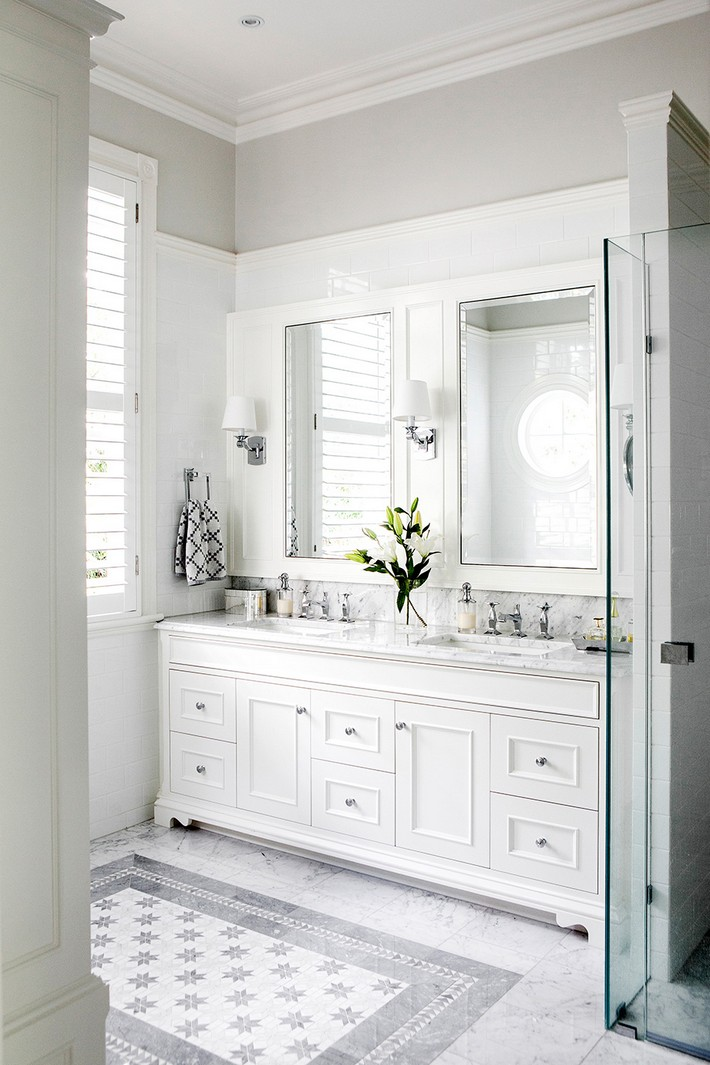 Best Minimalist White Bathroom Designs To Fall In Love This Month