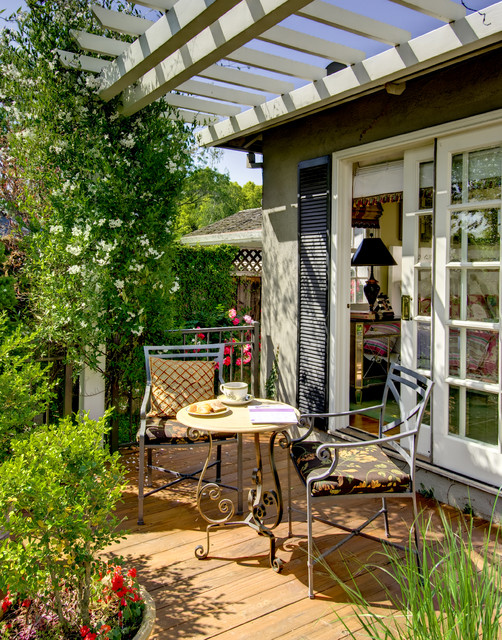 Best 18 Outdoor Breakfast Nook Ideas For Bright And Beautiful This Month