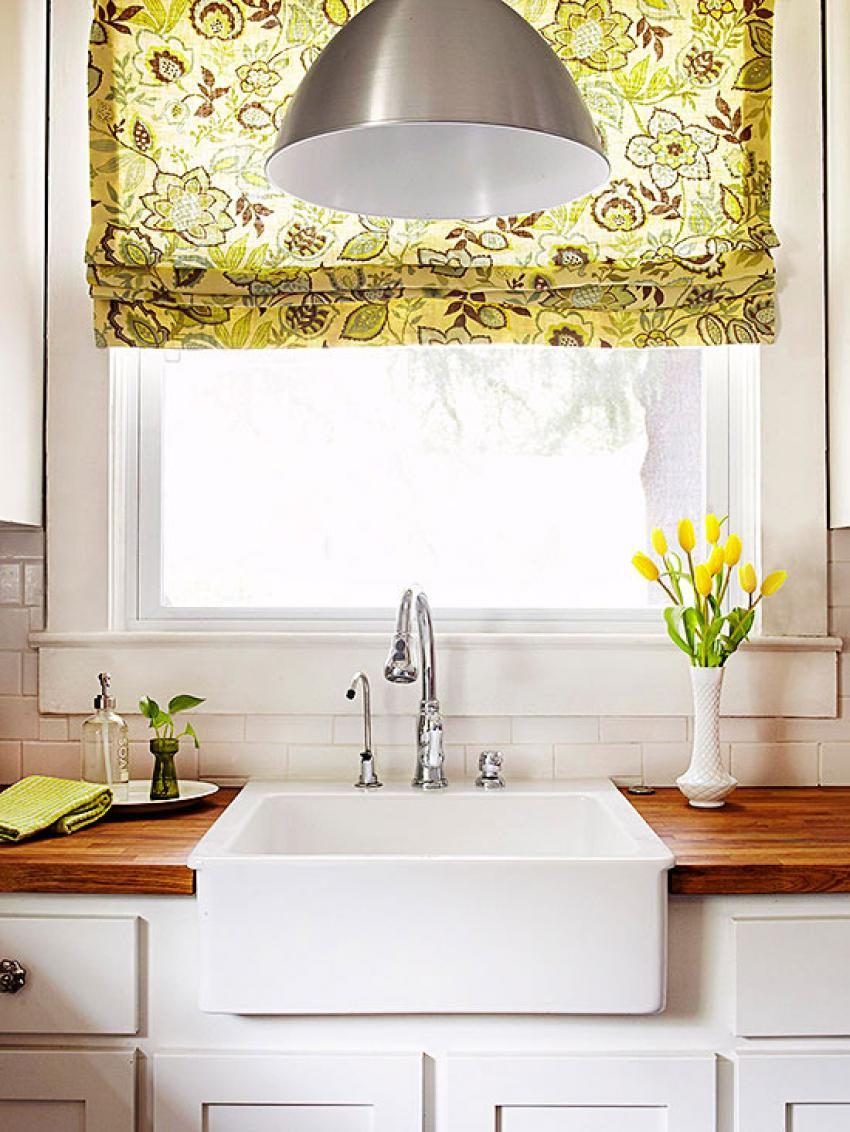 Best Small Kitchen Window Treatment Ideas With Floral Decor This Month