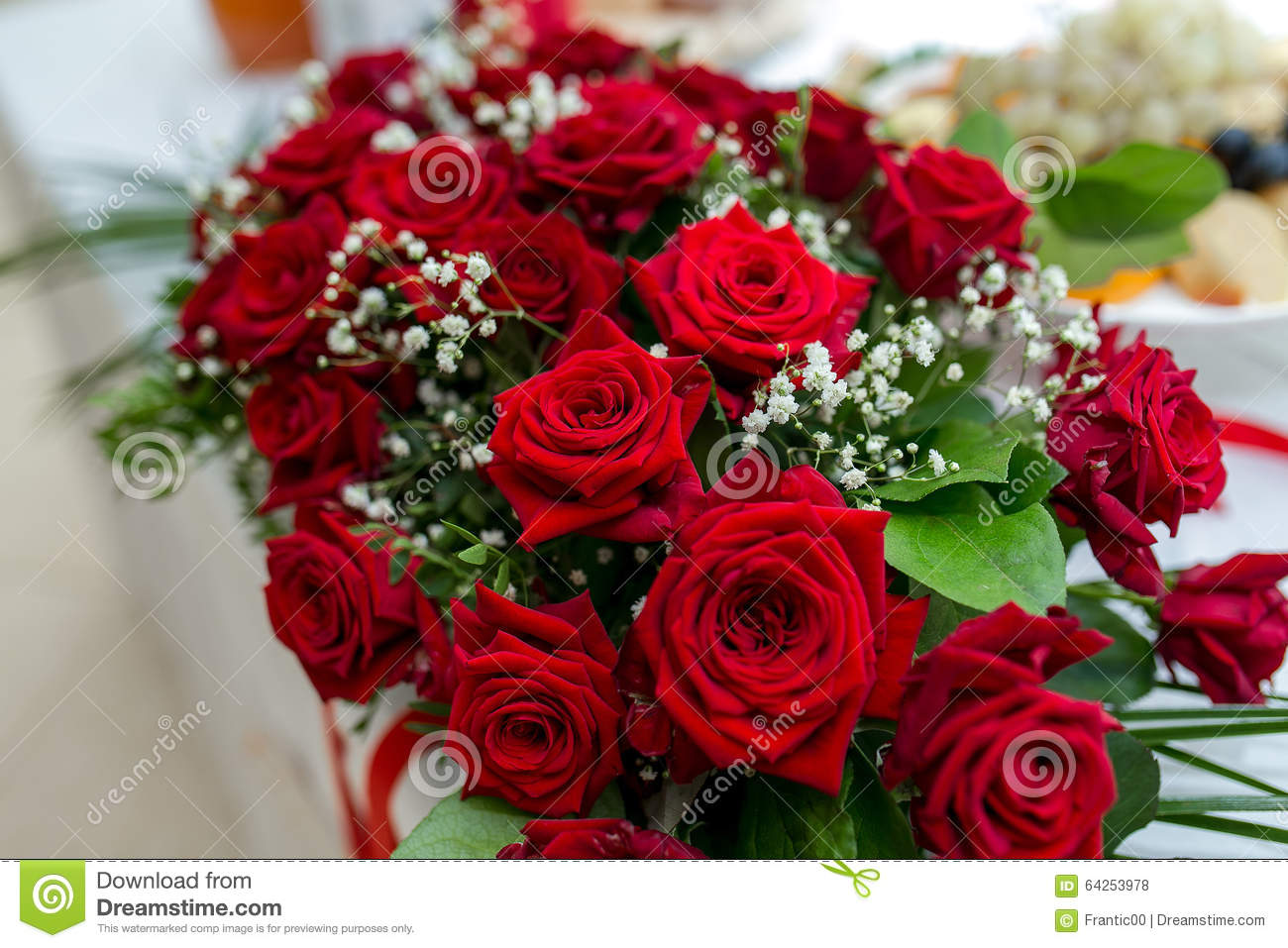 Best Fresh Flowers Decoration Red Roses At Wedding Table This Month