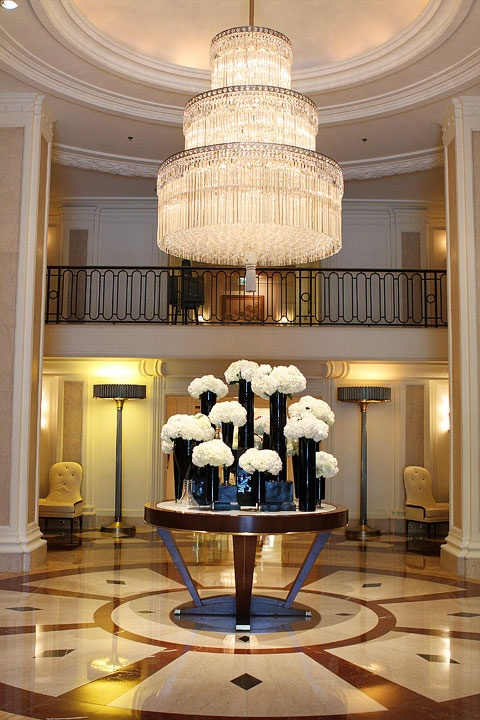 Best 94 Best Awesome Hotel Floral Arrangements Images On This Month