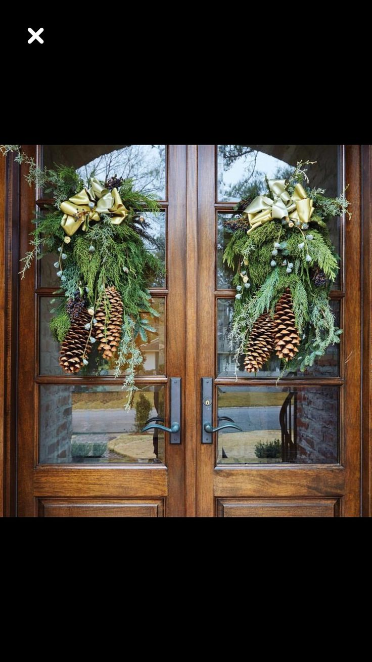 Best 42 Best Double Door Decor Images On Pinterest Christmas This Month