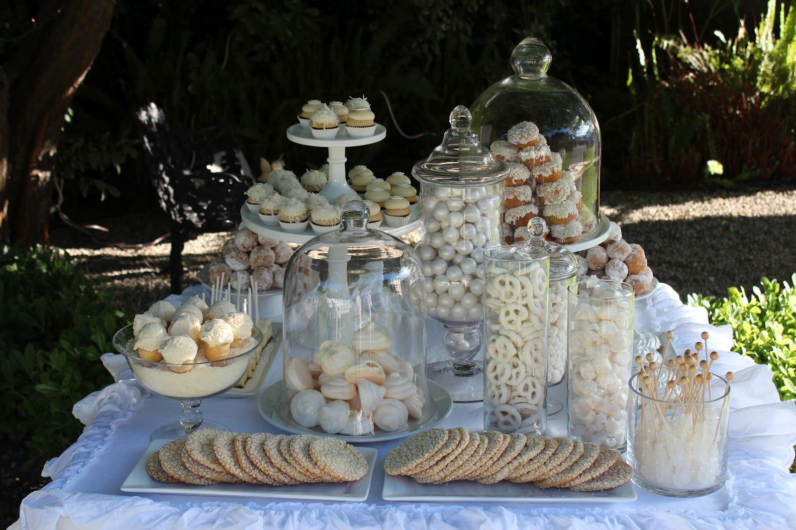 Best White Party Party Decor White Party Decorations This Month