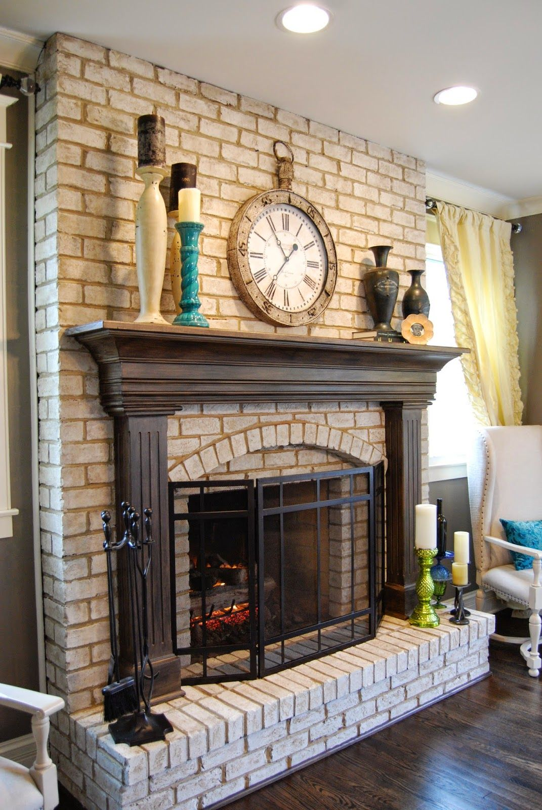 Best Red Brick Fireplace With White Mantel Repainted For A Cozy This Month