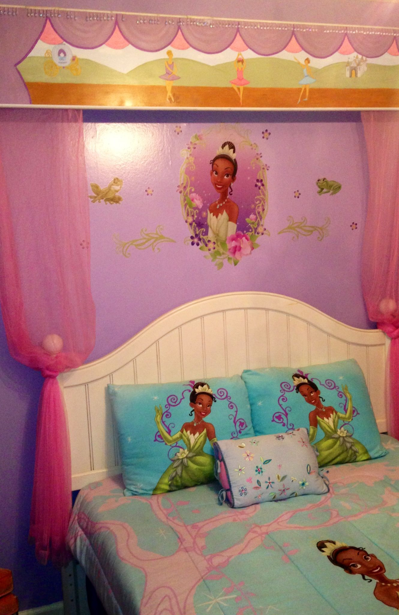 Best Disney S Princess Tiana Themed Bedroom Home Decor This Month
