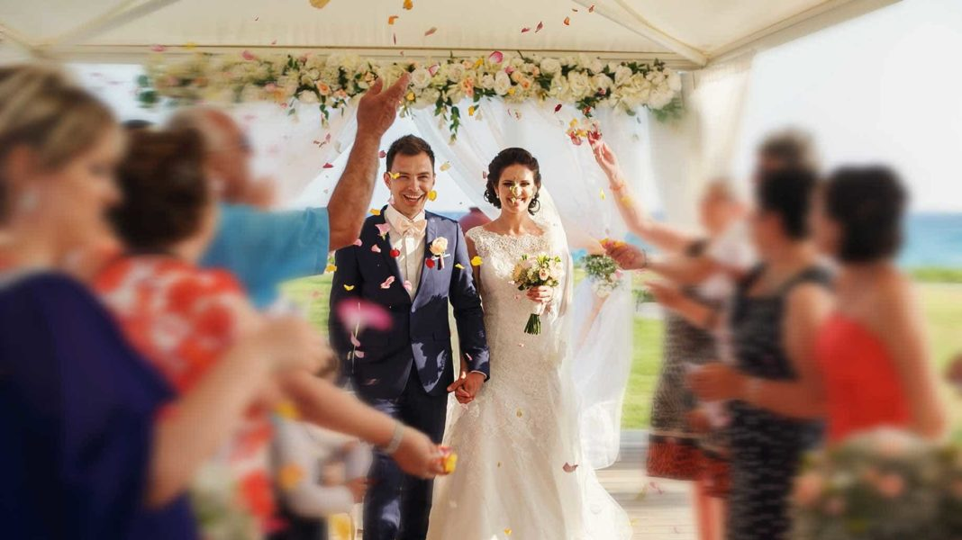 Best 10 Ideas To Save Money On Wedding Ceremony Reception This Month