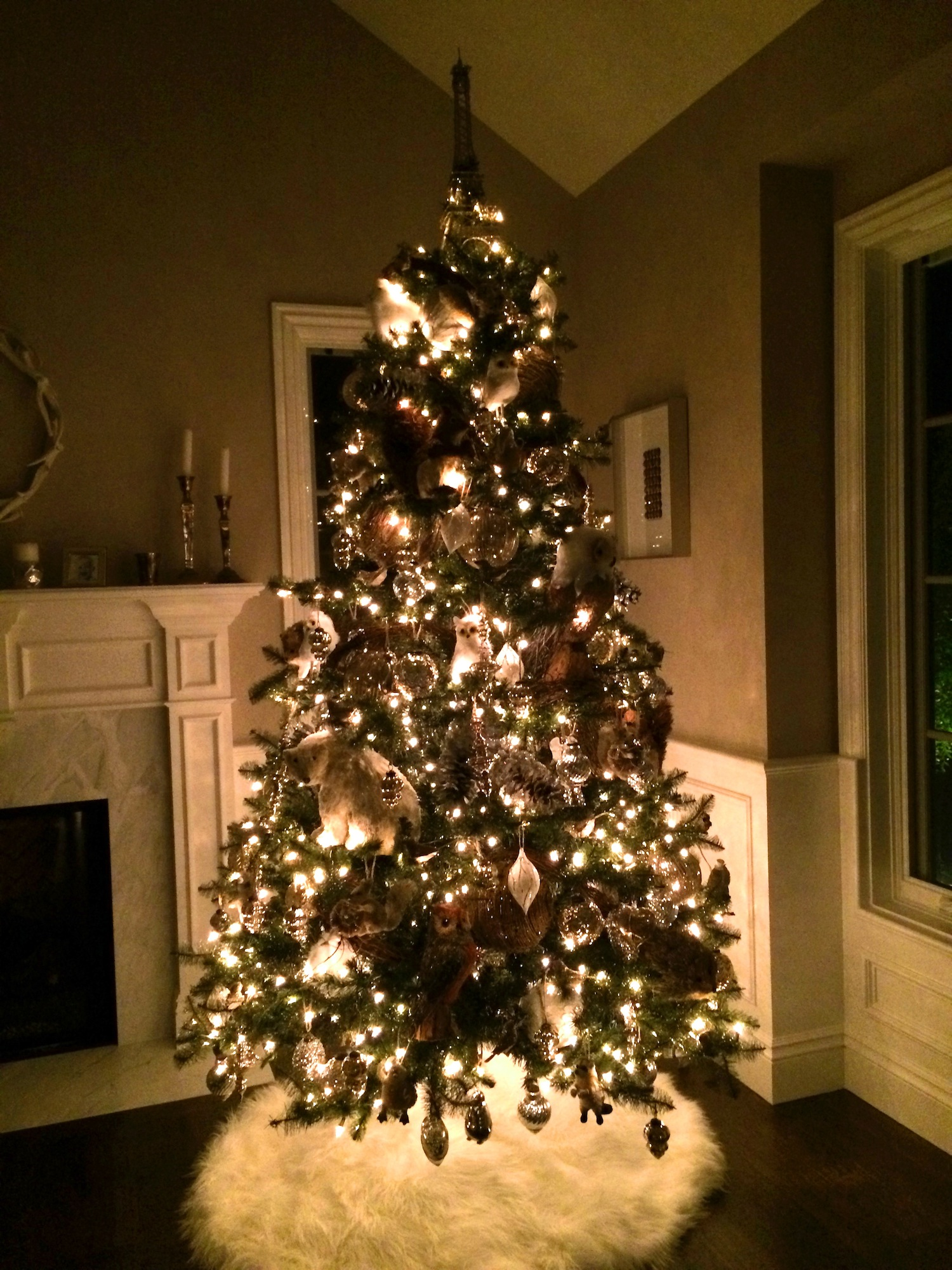 Best A Pottery Barn Christmas Tree With All The Trimmings This Month