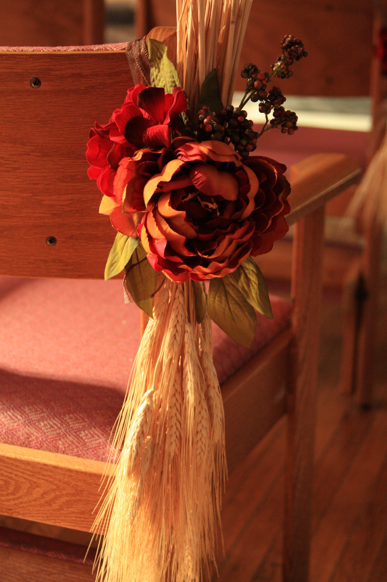 Best Creative Fall Wedding Pew Decoration Love Letters This Month