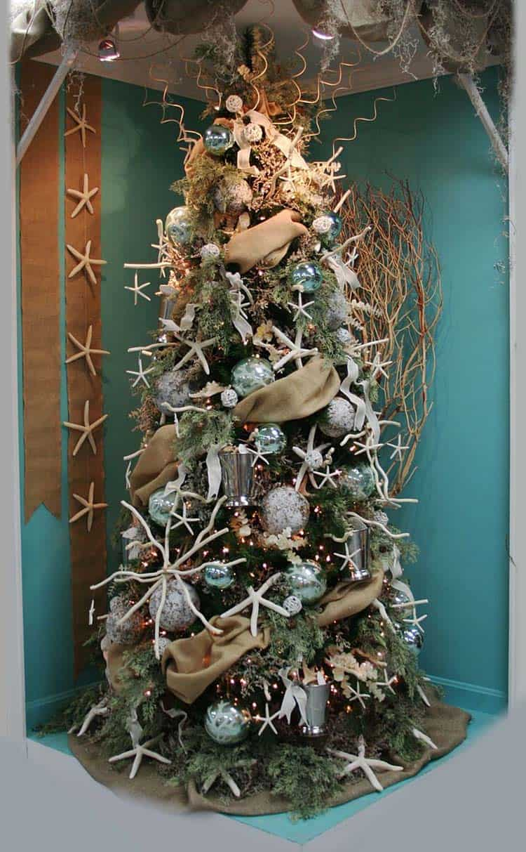 Best 30 Brilliant Coastal Chic Christmas Tree Decorating Ideas This Month