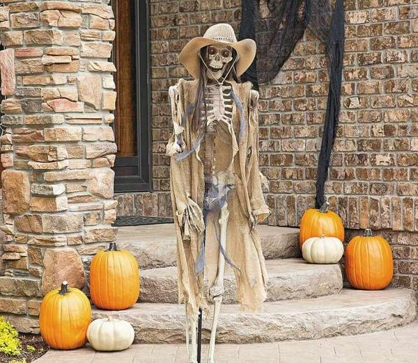 Best Scary Halloween Decorations – How To Make A Creepy Décor This Month