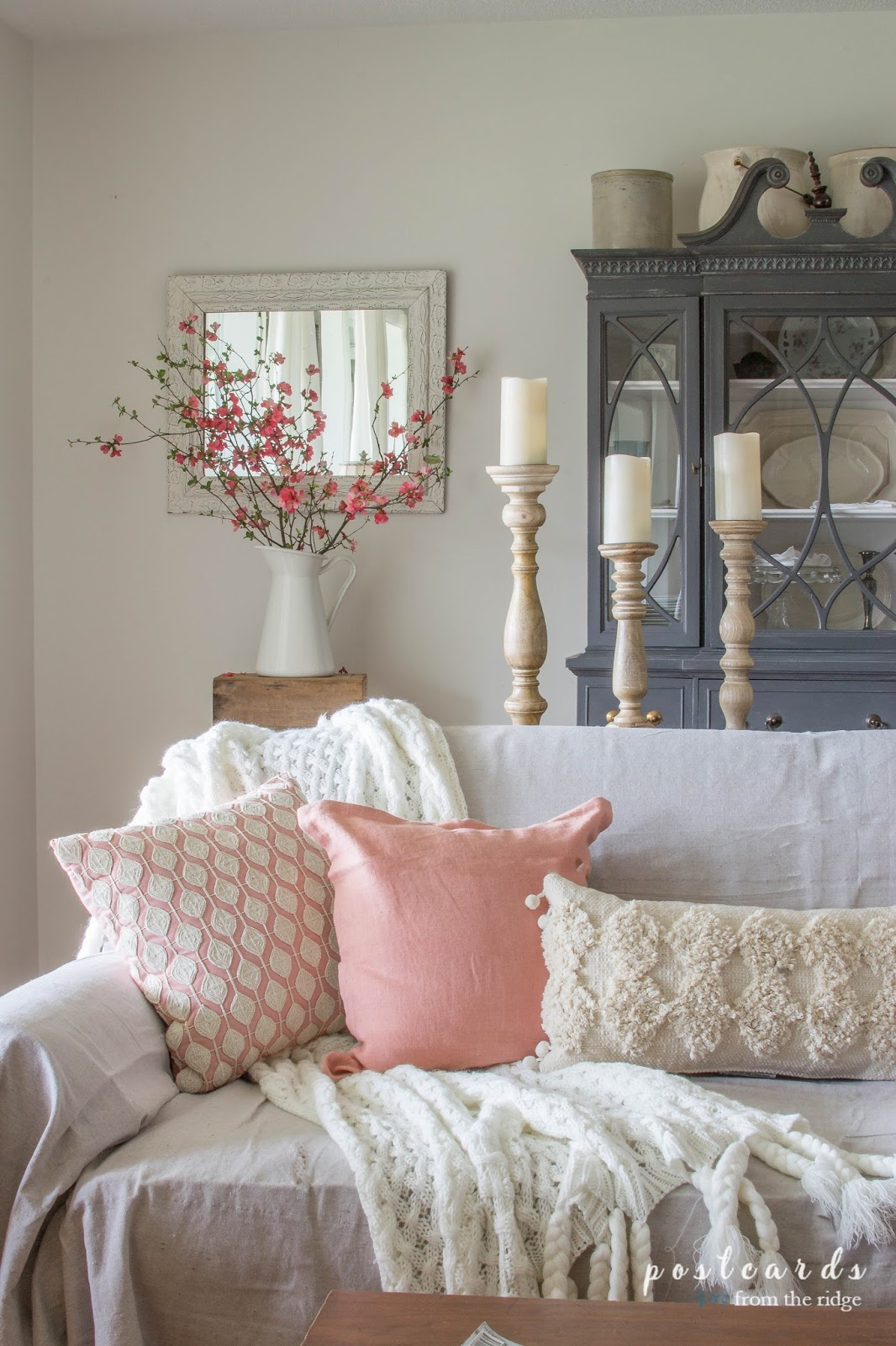 Best Blush And Bashful Spring Accents In The Living Room This Month