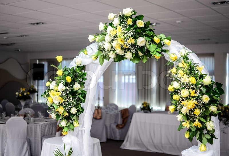 Best Beautiful Wedding Flower Arch Decoration In Restaurant This Month
