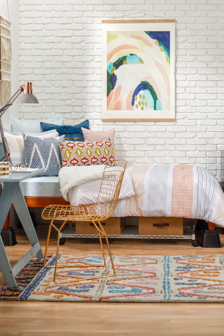 Best 8 Girl S Dorm Room Decorating Tips Overstock Com This Month