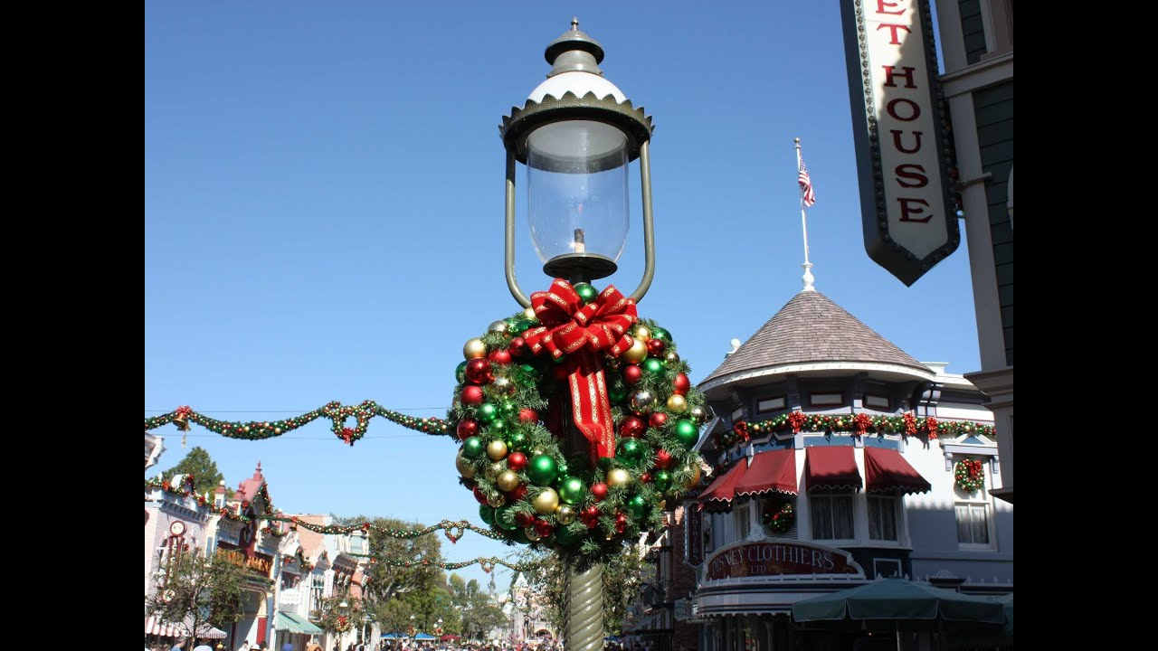 Best Main Street Disneyland Christmas Decorations Youtube This Month