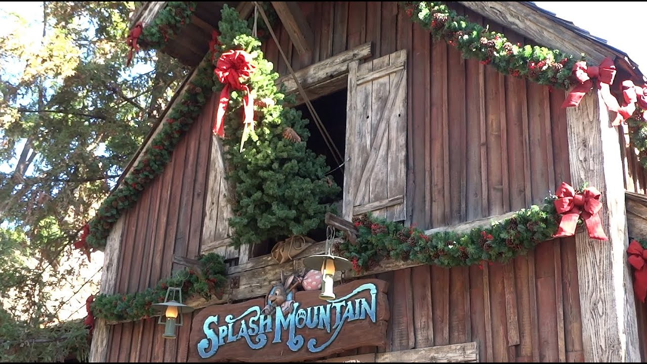 Best Critter Country Christmas Decorations At Disneyland 2015 This Month