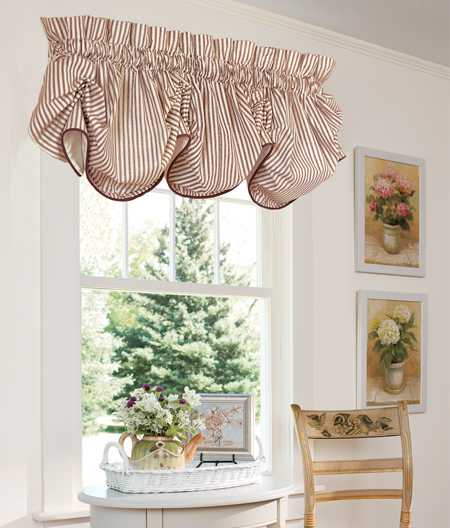 Best 15 Classy Window Decorating Ideas Balloon Curtains This Month