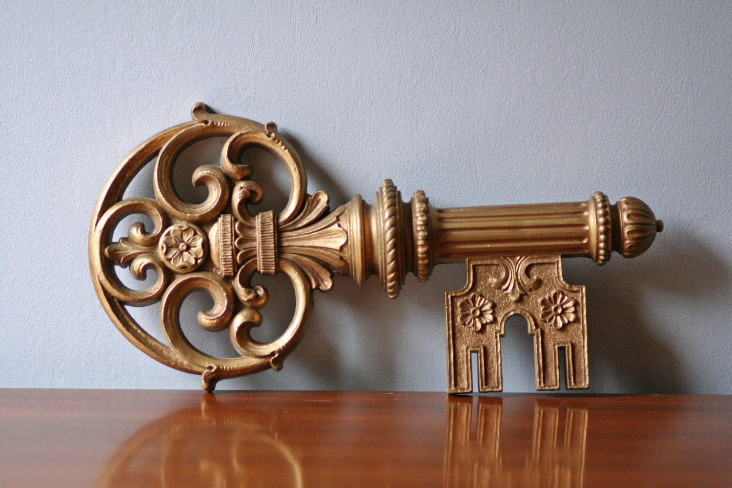 Best Syroco Decorative Key Wall Decor In Gold Tone This Month