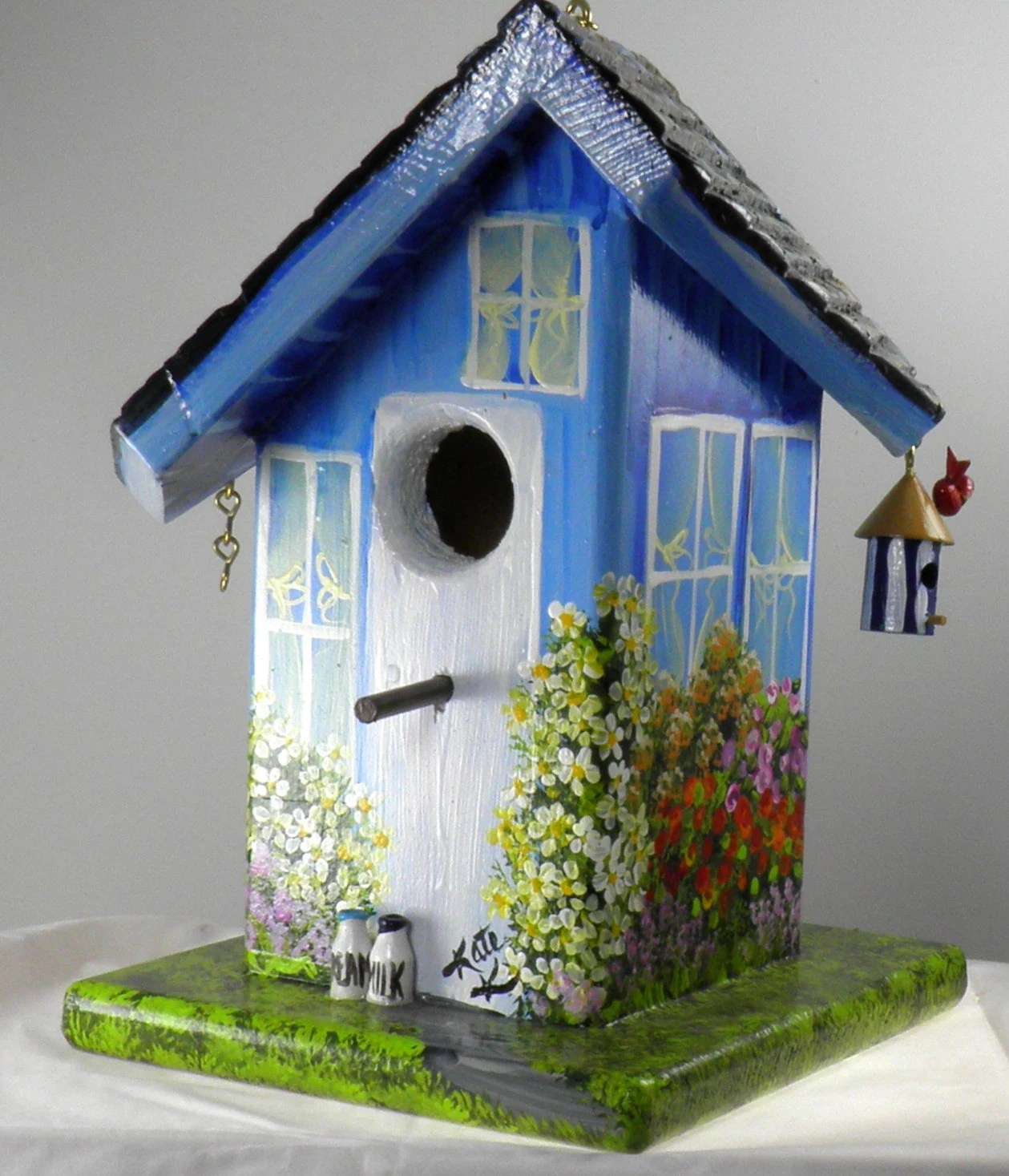 Best Twisted Birdhouse Hand Painted Blue With It S Own Bird This Month