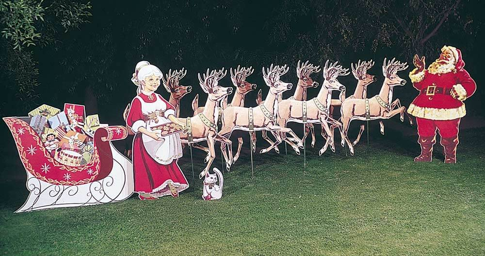 Best Holiday Lawn Displays Available Since 1948 66 Years This Month