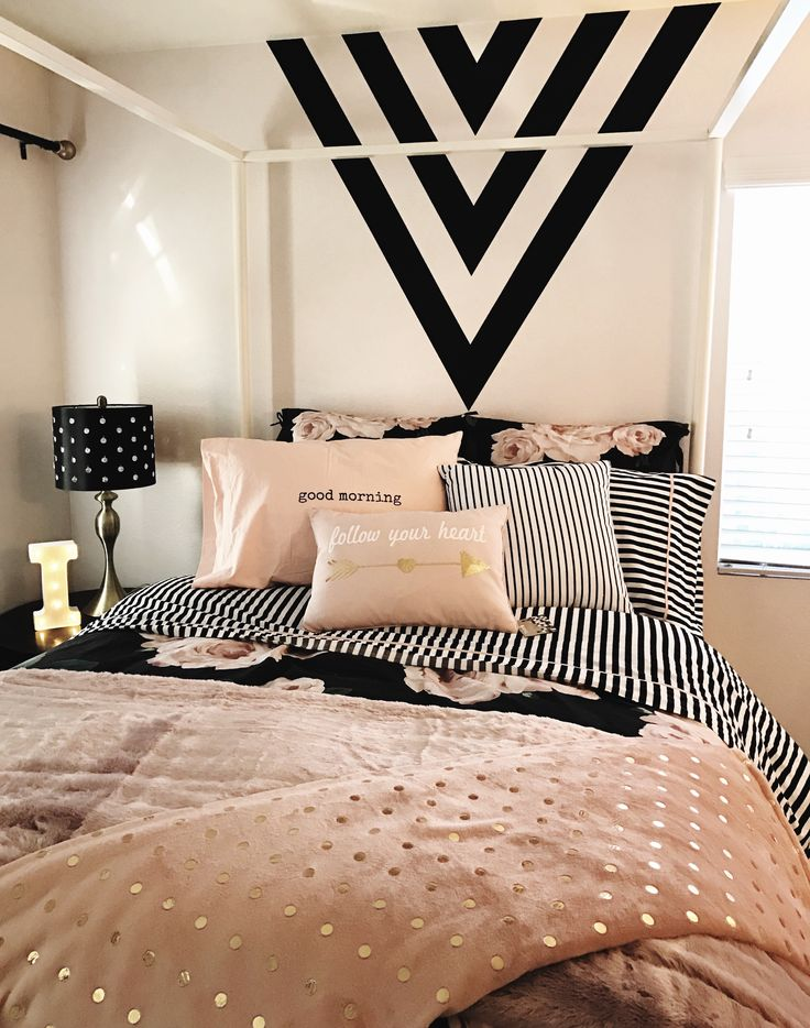 Best Girls Room Black Gold And Pink Black Paint Feature Wall Black And White Stripes Design With This Month