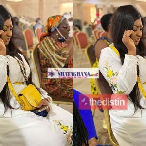 Ellen White In Church After Partying & Chilling In A Limousine Last Night | Photo