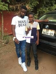 Larruso Picture with sarkodie