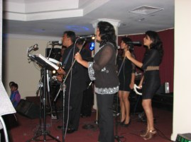 The band played all the Sri Lankan hits - Summer of 69', Everything I do, I do it for you and Run to You.