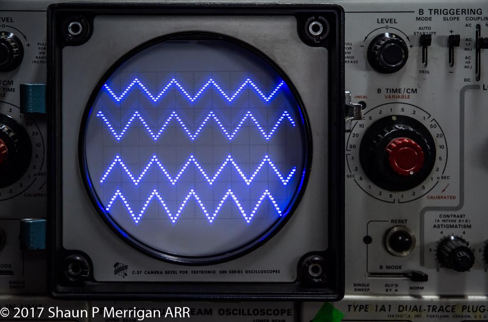 Tektronix 556 Dual Beam Oscilloscope Images