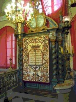 la-sinagoga-ebraica-di