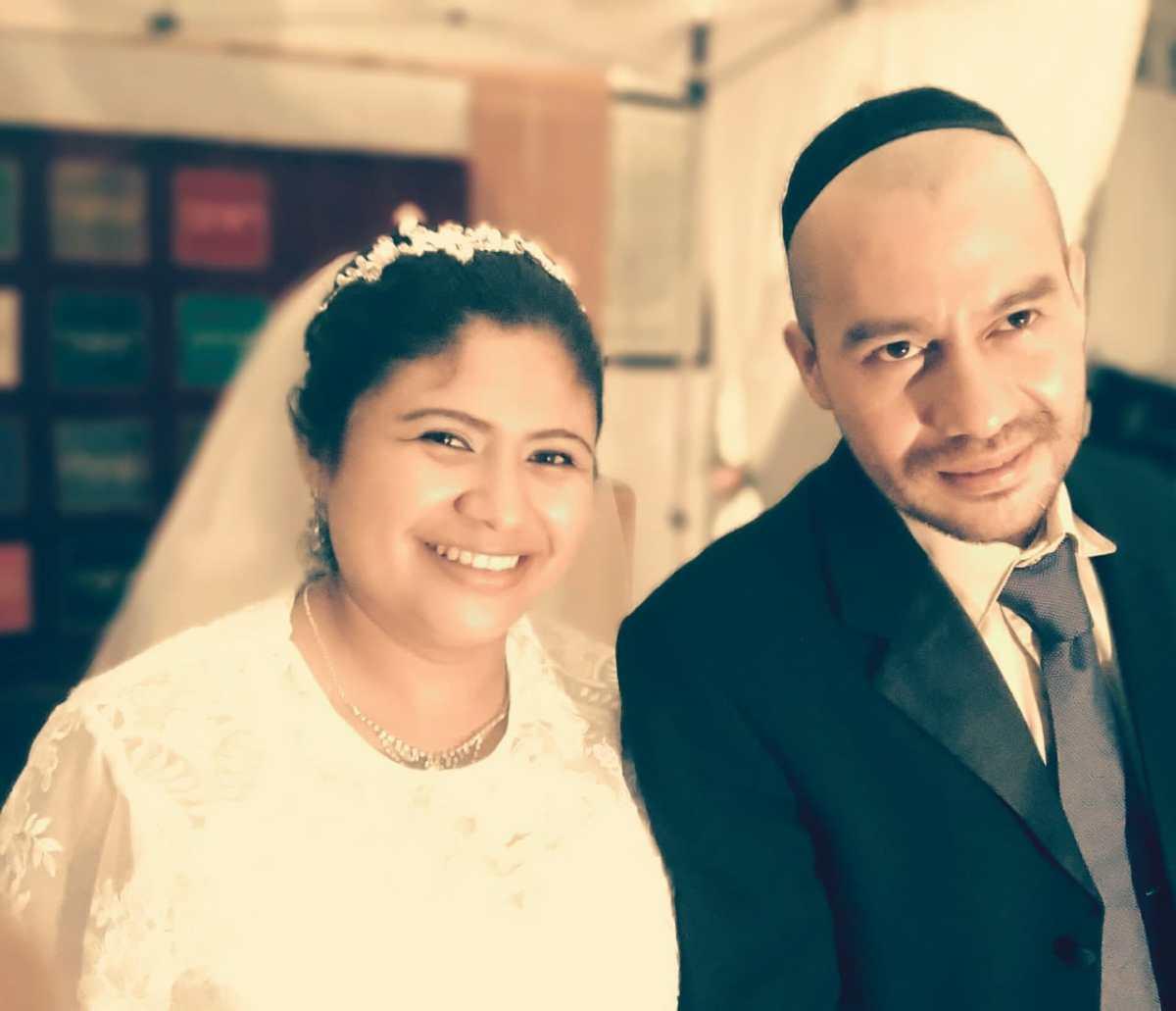"""""""Emisariusz Shavei Israel prowadzi swój pierwszy ślub w El Salvadorze"""""""