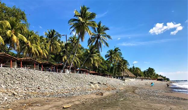 The beach of El Tunco El Salvador