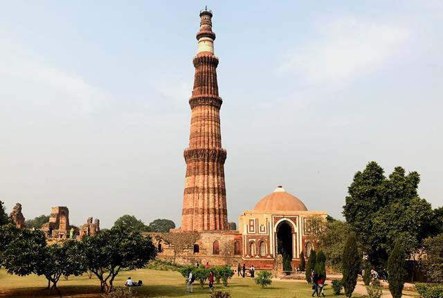 The stone tower of Qutub Minar