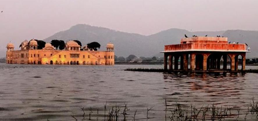 Jal Mahal (Water Palace) the beautiful palace on the lake